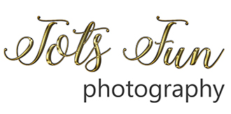 Tots Fun Photography's logo