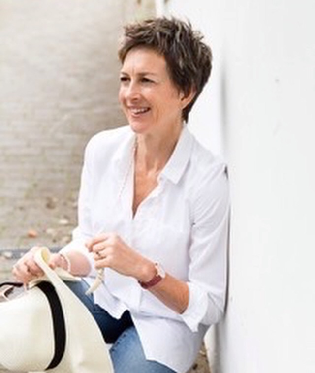 Lesley Clarke Style Advisor's main image